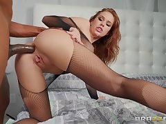 Megan Rain wears sexy black lingerie be fitting of fucking impecunious mercy