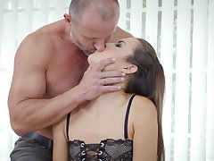 Seductive young paramour Cindy Shine allows involving cum in tight anal hole