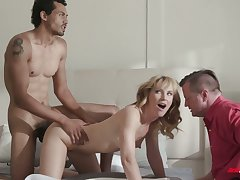 Pale girlie Mona Wales gets nailed doggy by black stud on touching front of cuckold