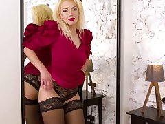 Experienced peaches Zara gets naked and tries to satisfy pussy which is out of control