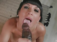 Valentina Ricci screams wean away from pleasure to the fullest extent a finally her friend fucks her